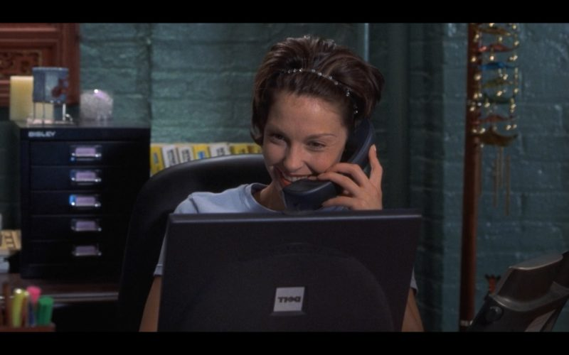 Dell Notebook Used by Ashley Judd in Someone Like You… (2001) Movie Product Placement