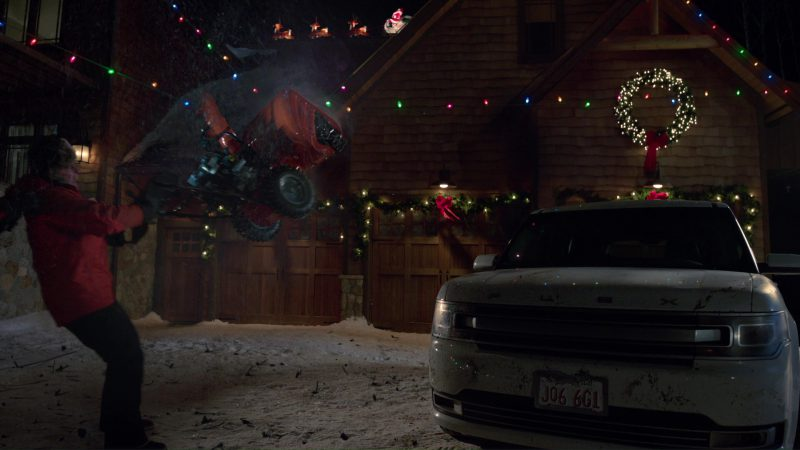 Ford Flex Car Used by Mark Wahlberg in Daddy's Home 2 (2017) Movie Product Placement