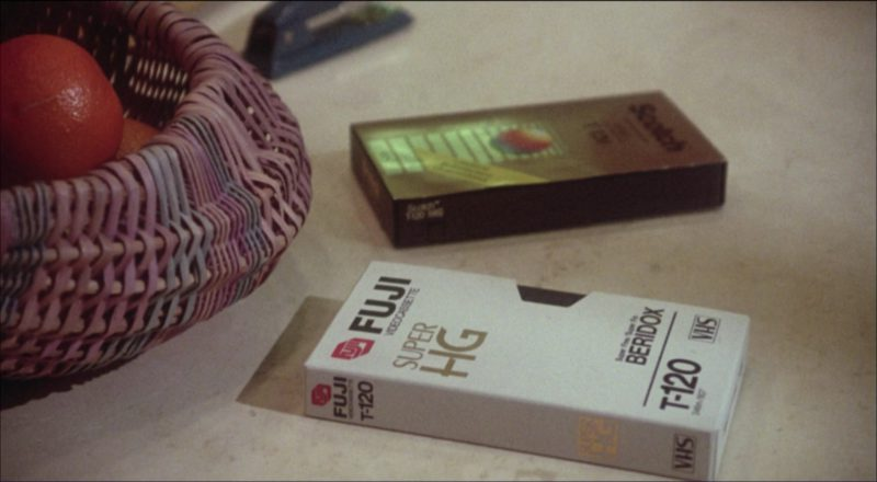 Fujifilm in Ruthless People (1986) - Movie Product Placement