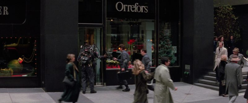 Orrefors Store in Ghostbusters 2 (1989) - Movie Product Placement
