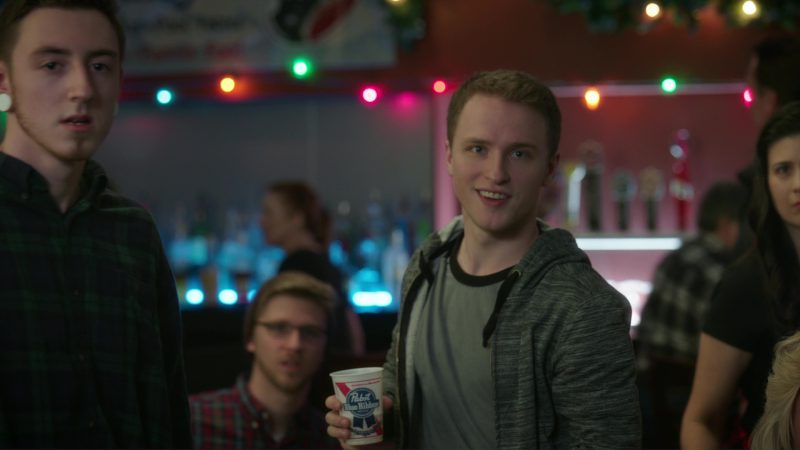 Pabst Blue Ribbon Beer in Daddy's Home 2 (2017) Movie Product Placement