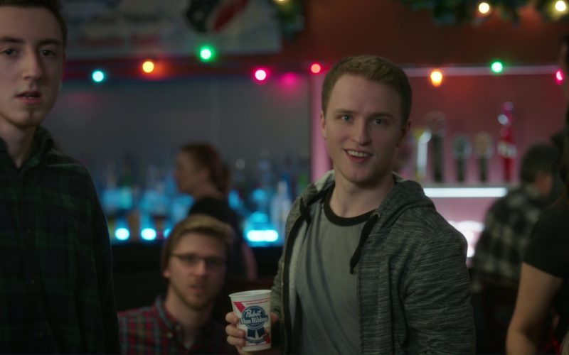 Pabst Blue Ribbon Beer in Daddy's Home 2 (1)