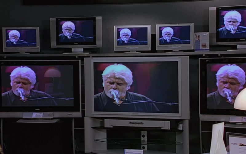 Panasonic Flat Screen TV's in The 40-Year-Old Virgin (1)