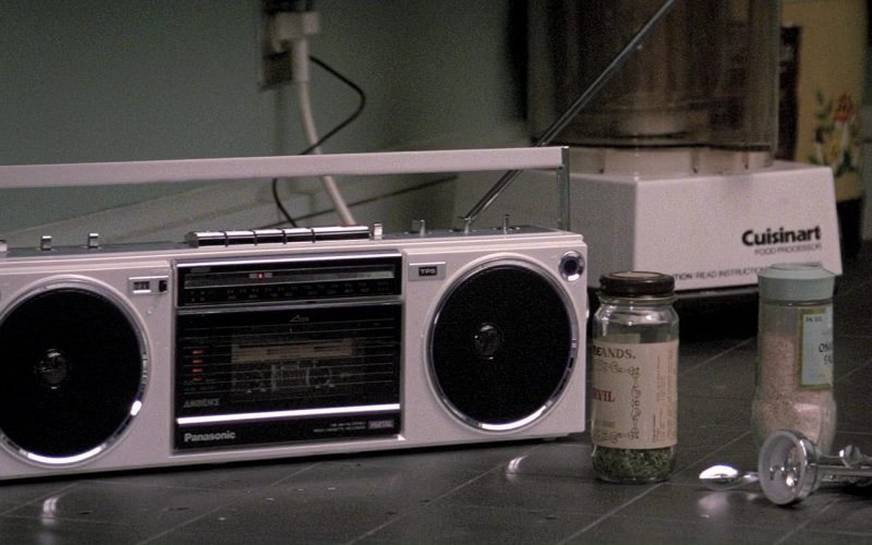 Panasonic RadioCassette Player and Cuisinart Food Processor in Ghostbusters (1984)