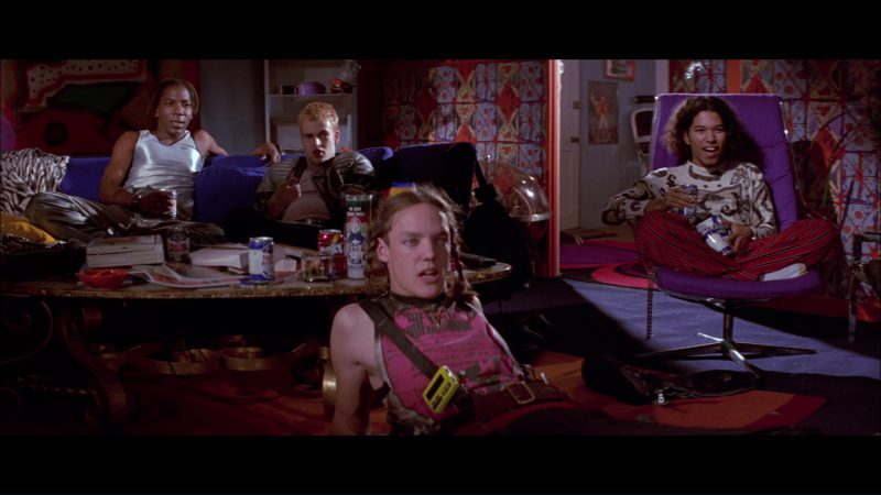 Peroni Nastro Azzurro Beer and Jolt Cola in Hackers (1995) Movie Product Placement
