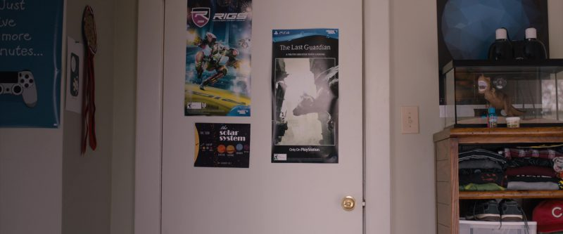 RIGS: Mechanized Combat League and The Last Guardian (PlayStation 4 Video Games Posters) in Jumanji: Welcome to the Jungle (2017) - Movie Product Placement