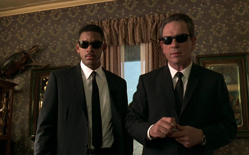 Ray-Ban Predator Sunglasses Worn by Will Smith and Ray-Ban 2030 Predator Sunglasses Worn by Tommy Lee Jones in Men in Black (1997)
