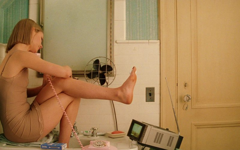 Sony TV (Portable) Used by Gwyneth Paltrow in The Royal Tenenbaums (1)
