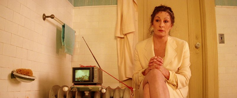 Sony Portable TV Used by Gwyneth Paltrow in The Royal Tenenbaums (2001) - Movie Product Placement