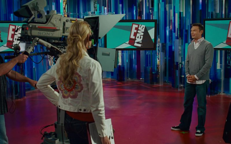 Sony Video Cameras and E! News Television Show in Knocked Up (1)