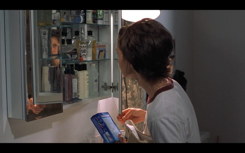 Tampax in Someone Like You… (2001) - Movie Product Placement