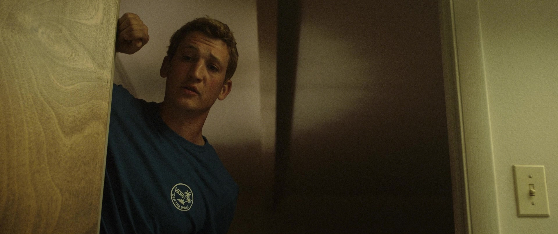 Vans T Shirt Quot Off The Wall Quot Worn By Miles Teller In Only