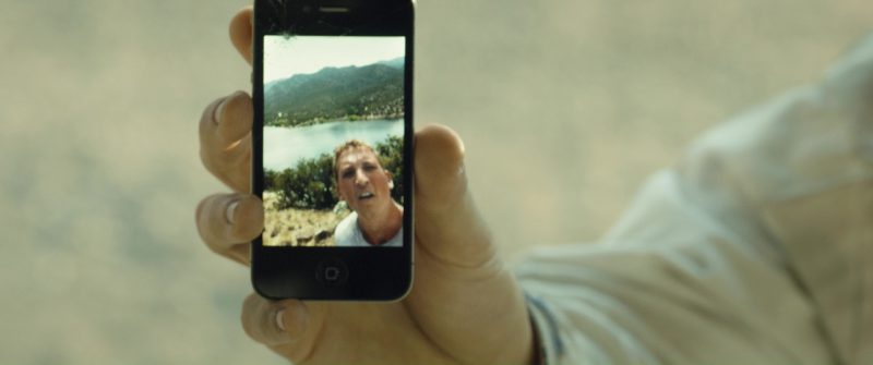 Apple iPhone 4/4S Used by Miles Teller in Only the Brave (2017) Movie Product Placement