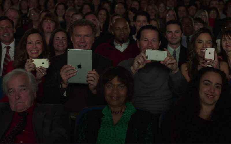 iPhone Used by Linda Cardellini, iPad Tablet Used by Will Ferrell and iPhone Used by Mark Wahlberg in Daddy's Home 2 (2)