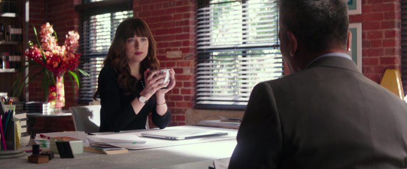 Apple MacBook Laptop Used by Dakota Johnson in Fifty Shades Freed (2018) Movie