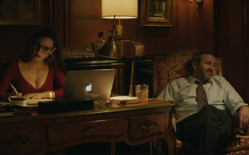 Apple MacBook Pro 15 Used by Jessica Chastain in Molly's Game (11)