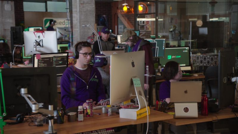Apple iMac and Macbook Laptops in Silicon Valley: Reorientation (2018) TV Show Product Placement