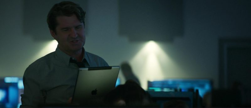 Apple iPad Tablet Used by Stuart McQuarrie in The Hurricane Heist (2018) - Movie Product Placement