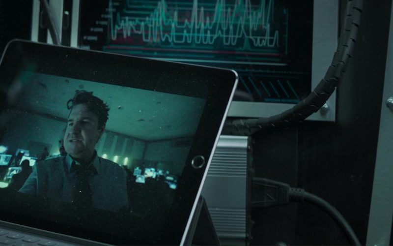 Apple iPad Used by Toby Kebbell in The Hurricane Heist