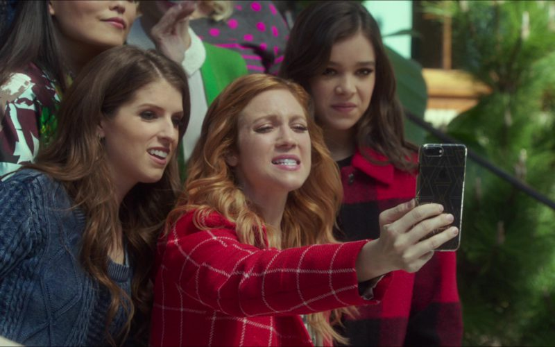 Apple iPhone Used by Brittany Snow in Pitch Perfect 3 (1)