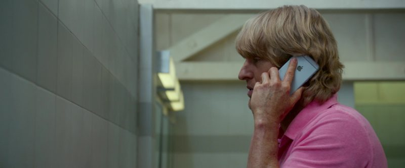 Apple iPhone Used by Owen Wilson in Father Figures (2017) - Movie Product Placement