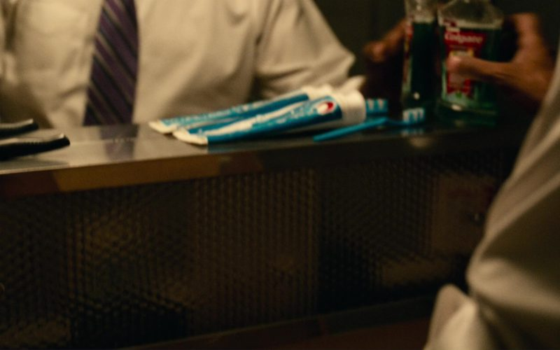 Crest Toothpaste and Colgate Plax Mouthwash Fresh Mint Used by Denzel Washington in Roman J. Israel, Esq. (2017)