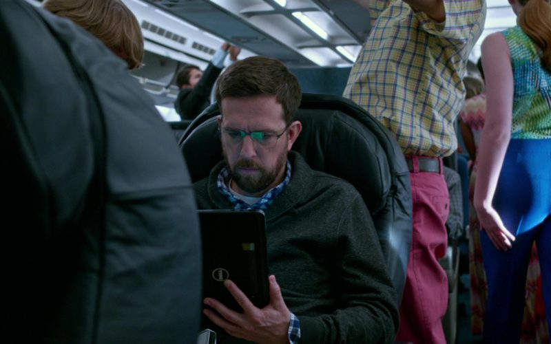 Dell Microsoft Windows Tablet Used by Ed Helms in Father Figures (1)