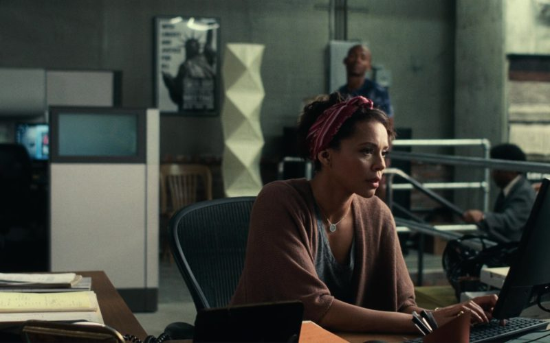 Dell Monitor Used by Carmen Ejogo in Roman J. Israel, Esq. (1)