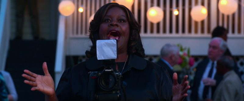 Nikon Camera Used by Retta (Marietta Sirleaf) in Father Figures (2017) - Movie Product Placement