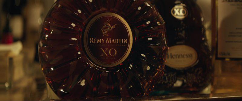 Rémy Martin XO and Hennessy XO Cognacs in Molly's Game (2017) Movie Product Placement