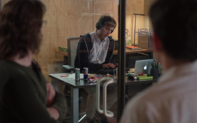Red Bull and Macbook Used by Thomas Middleditch in Silicon Valley (1)
