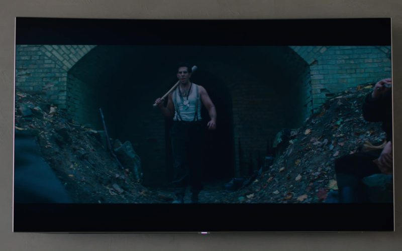 Samsung TV and Inglourious Basterds (2009) Movie Watched by Damian Lewis in Billions