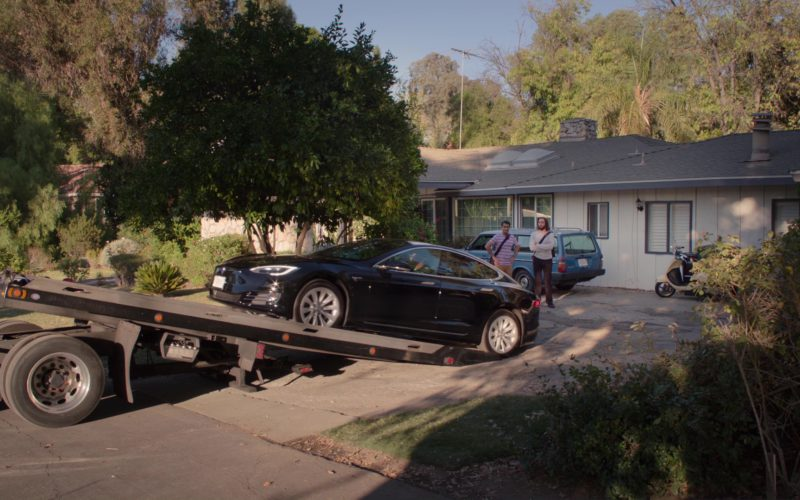 Tesla Model S Car Driven by Kumail Nanjiani (Dinesh) in Silicon Valley (2)