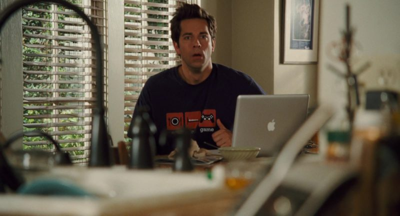 Apple MacBook Laptop Used by Zachary Levi in Alvin and the Chipmunks: The Squeakquel (2009) Movie Product Placement