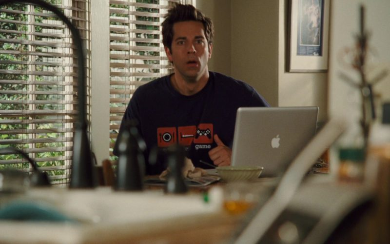 Apple MacBook Laptop Used by Zachary Levi in Alvin and the Chipmunks