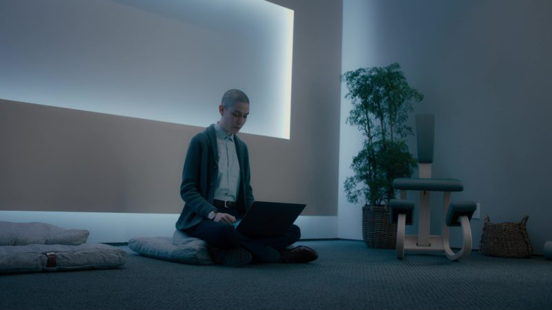 Apple MacBook Pro 15 Used by Asia Kate Dillon in Billions: The Third Ortolan (2018) TV Show Product Placement