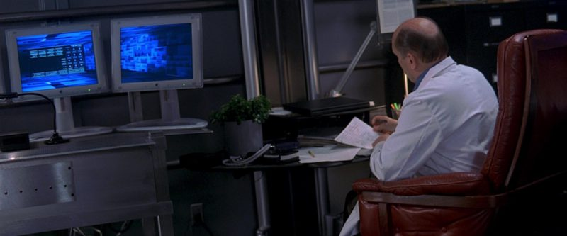 Apple Monitors Used by Robert Duvall in The 6th Day (2000) Movie Product Placement