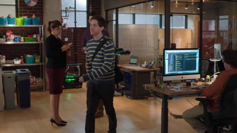 Apple iMac and Homicide Energy Drink in Silicon Valley: Facial Recognition (2018) - TV Show Product Placement