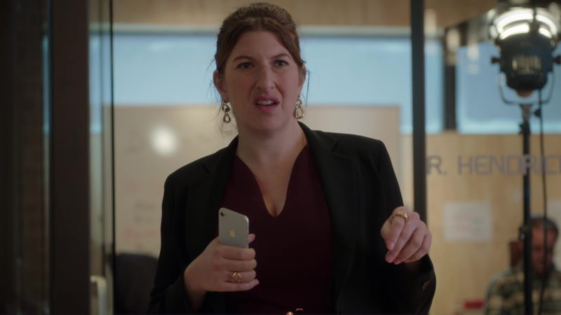 Apple iPhone 8 in Silicon Valley: Facial Recognition (2018) TV Show Product Placement