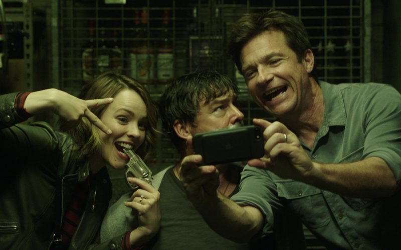 Apple iPhone Used by Jason Bateman in Game Night (3)