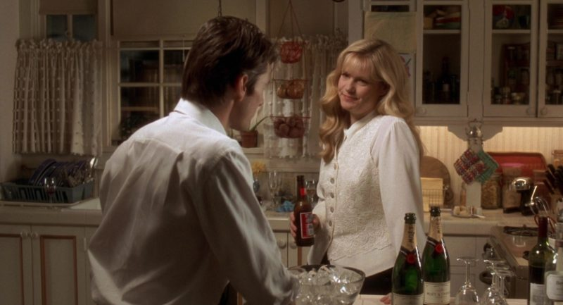 Budweiser Beer and Moët Champagne in Jerry Maguire (1996) Movie Product Placement