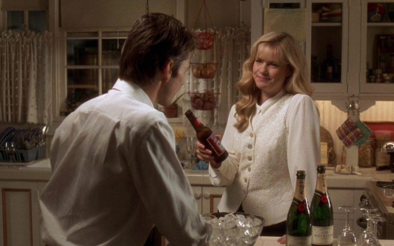 Budweiser Beer and Moët Champagne in Jerry Maguire (4)