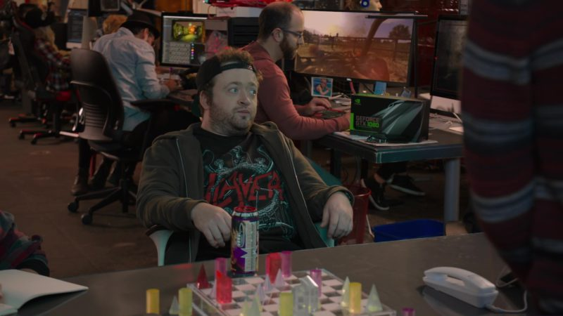 Nvidia GeForce GTX 1080, Homicide Energy Drink and Dell Monitor in Silicon Valley: Tech Evangelist (2018) - TV Show Product Placement