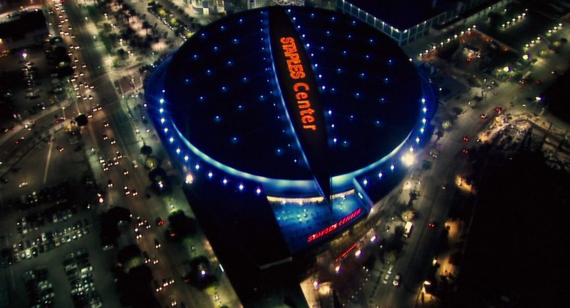 Staples Center in Alvin and the Chipmunks: The Squeakquel (2009) - Movie Product Placement