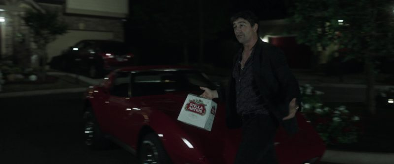 Stella Artois Beer Pack and Kyle Chandler in Game Night (2018) - Movie Product Placement