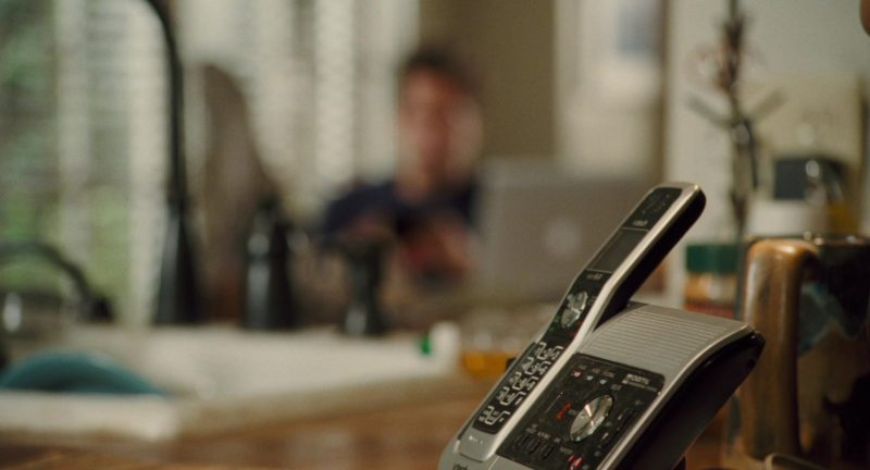VTech Phone Used by Zachary Levi in Alvin and the Chipmunks: The Squeakquel (2009) - Movie Product Placement