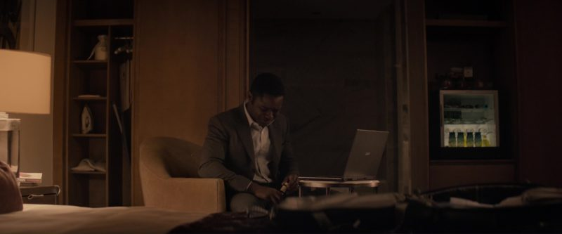 Acer Notebook Used by David Oyelowo in Gringo (2018) - Movie Product Placement