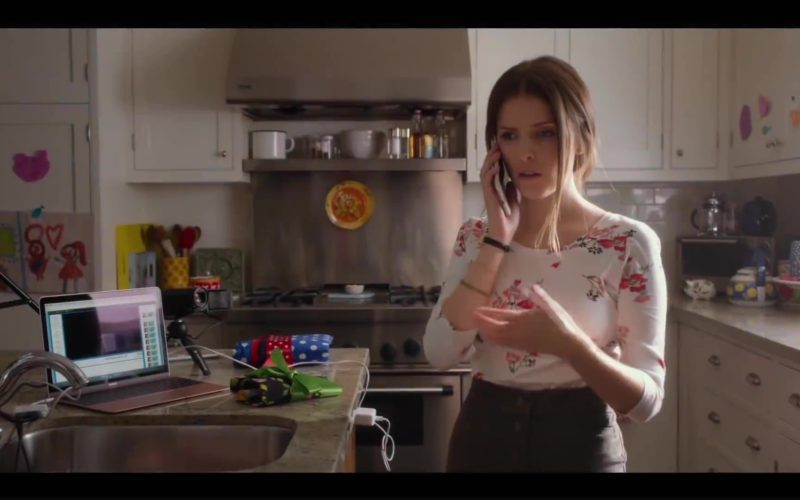 Apple MacBook Laptop Used by Anna Kendrick in A Simple Favor