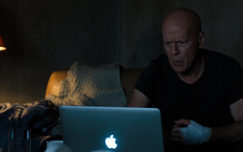 Apple MacBook Laptop Used by Bruce Willis in Death Wish (7)