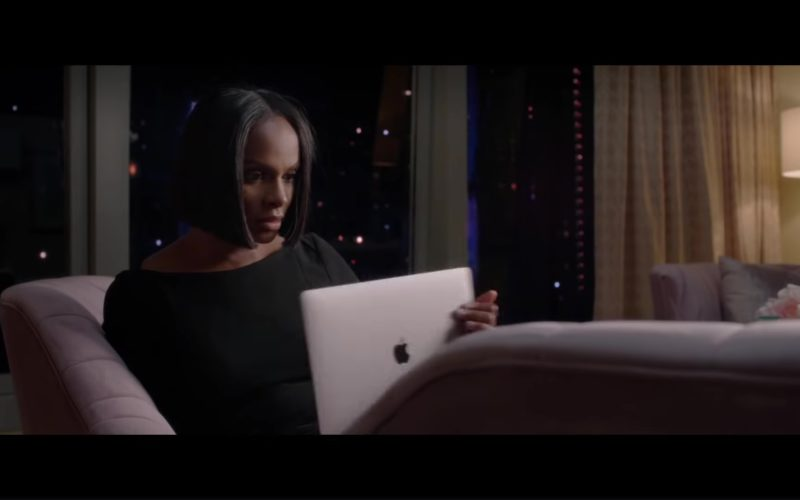Apple MacBook Laptop Used by Tiffany Haddish in Nobody's Fool (2018)